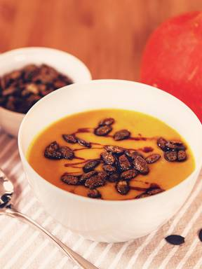 Hokkaido ginger soup with candied pumpkin seeds