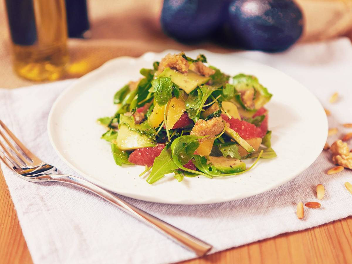 Avocado citrus salad with mixed nut pesto