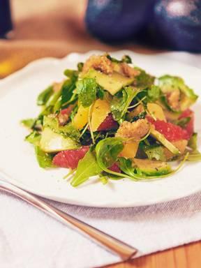 Avocado citrus salad with mixed nut pesto