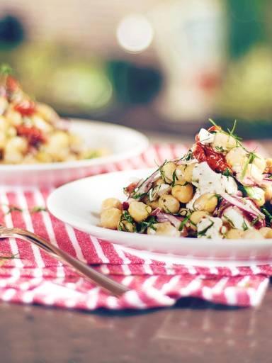 精美的鹰嘴豆沙拉