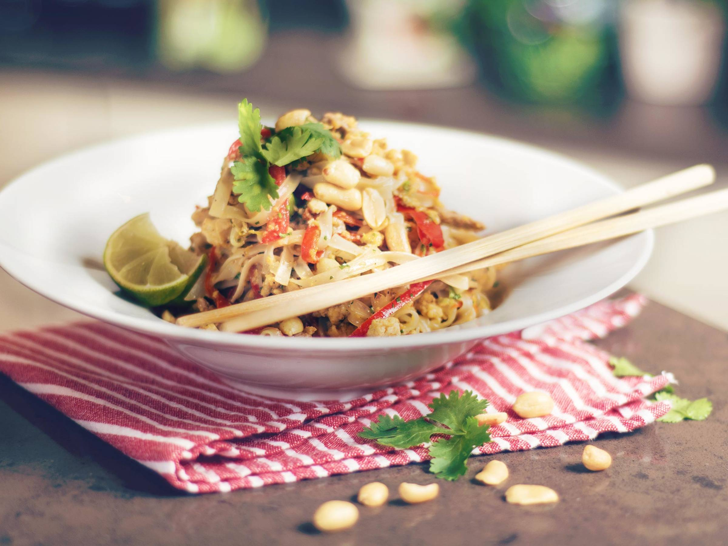 Classic pad thai - Recipes - Kitchen Stories