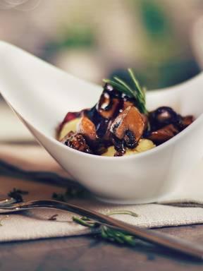 Cremige Polenta mit Balsamico-Pilzen
