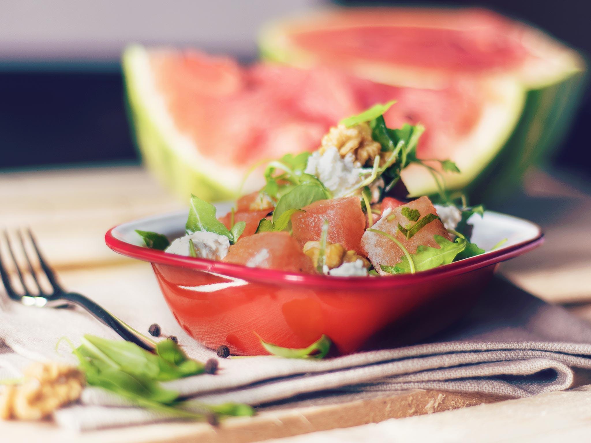 melonen ziegenk se salat mit waln ssen rezept mit video kitchen stories. Black Bedroom Furniture Sets. Home Design Ideas