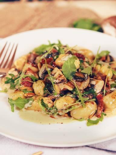 自制意式土豆团配蘑菇沙司
