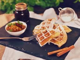 Fluffy waffles with apple-cinnamon chutney