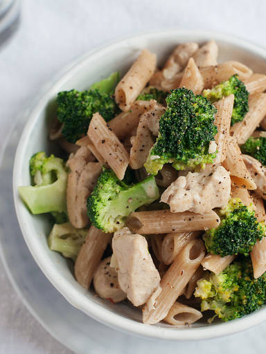 Creamy whole wheat pasta with chicken