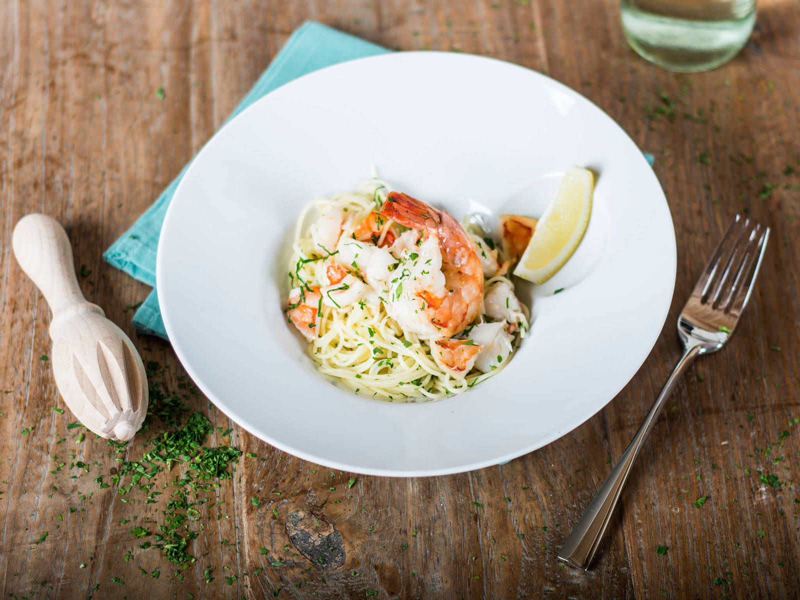 Angel hair pasta with shrimp in white wine sauce - Recipes ...