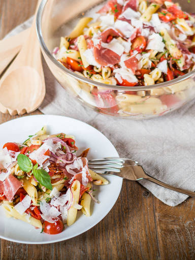 Simple Mediterranean pasta salad