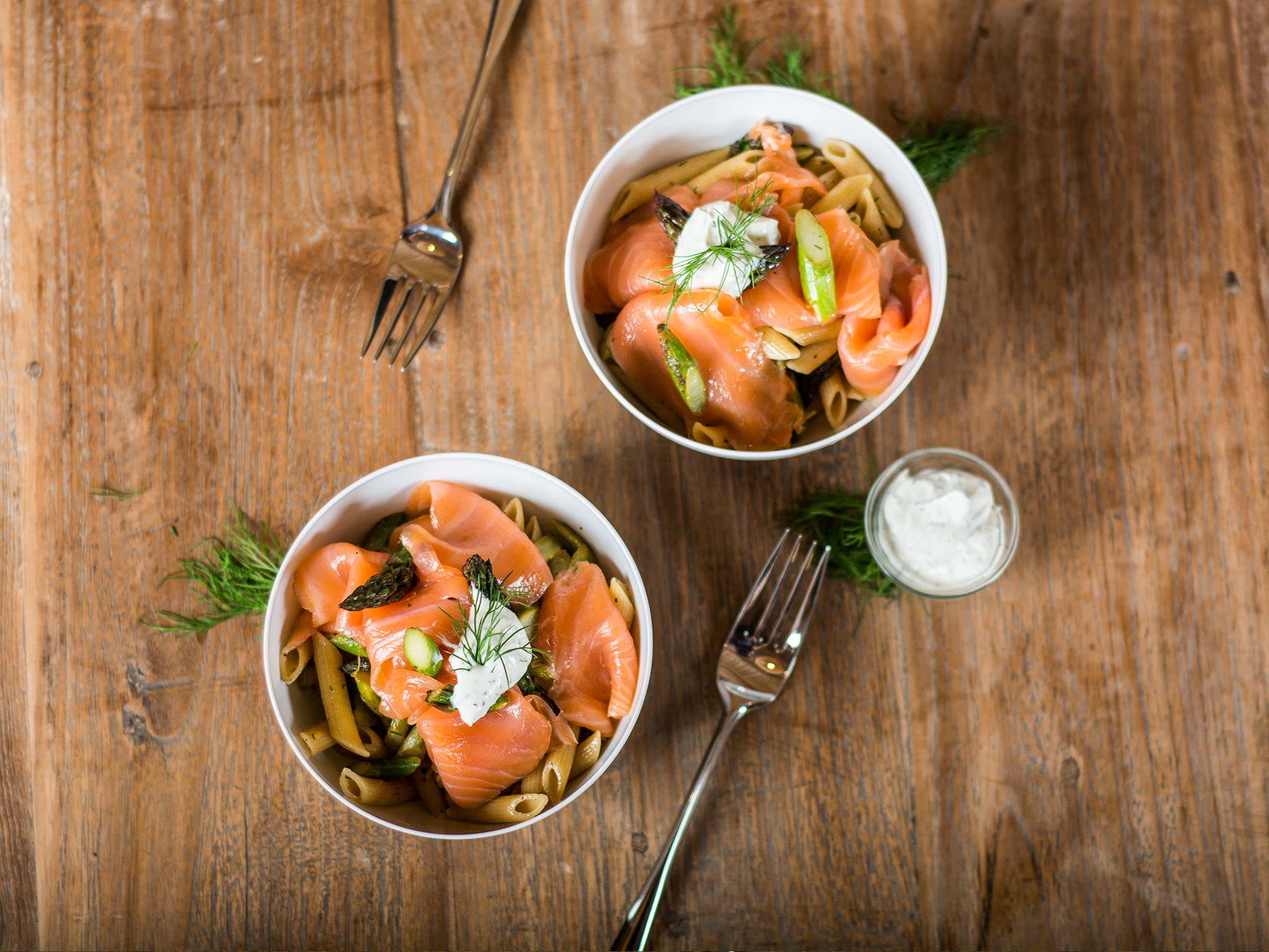Light penne with asparagus and smoked salmon | Recipe | Kitchen Stories