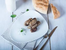 Kebab with homemade tzatziki