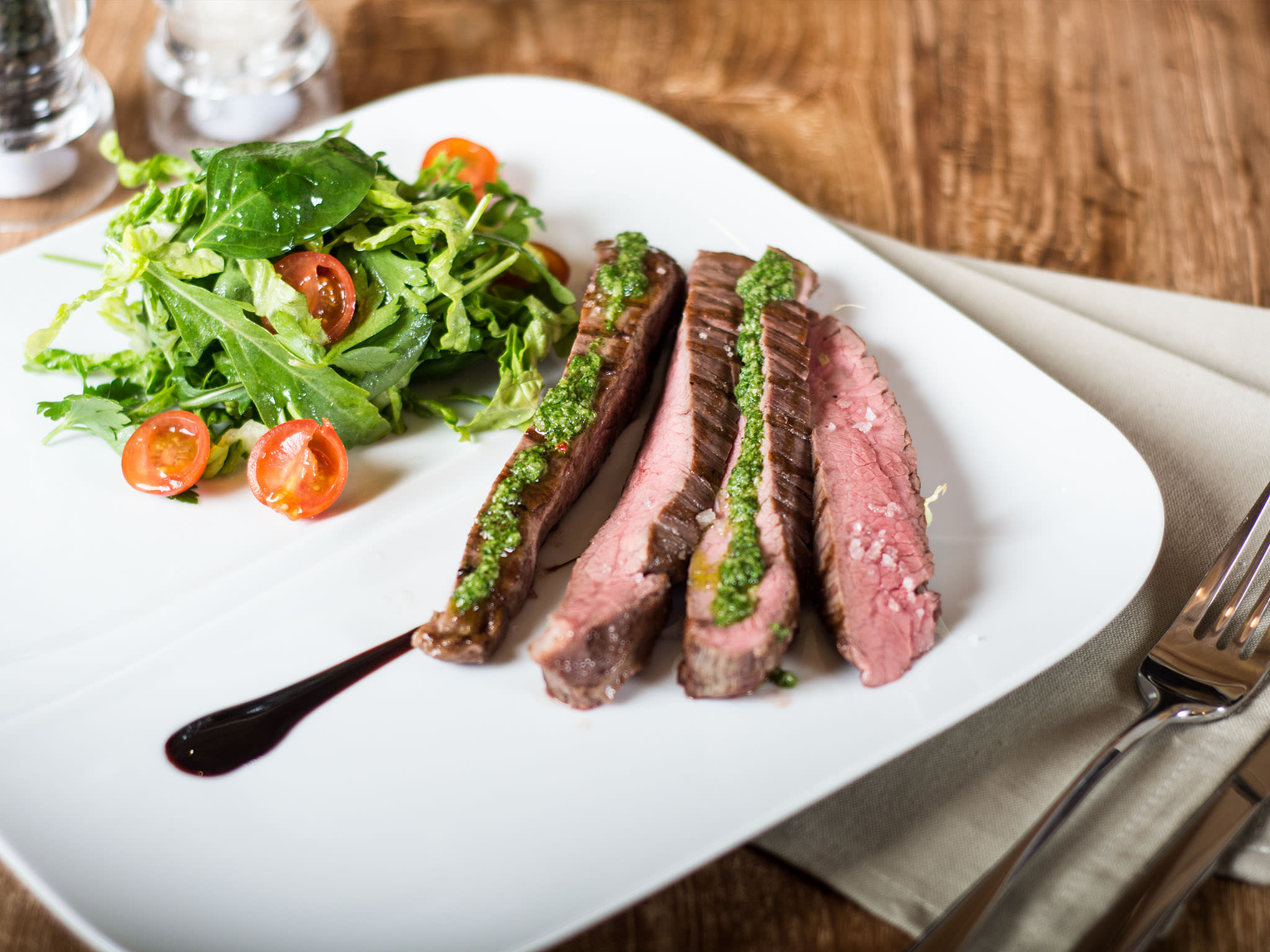 Flank steak with Chimichurri - Recipes - Kitchen Stories