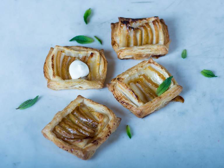 Simple pear tarts