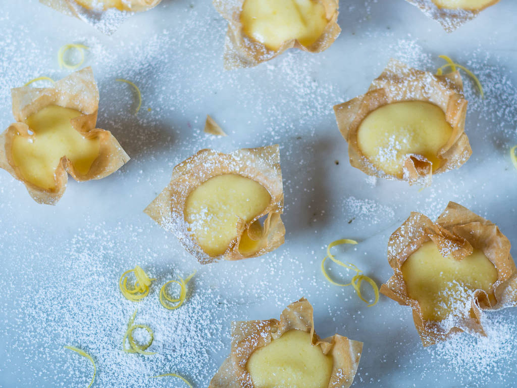 Lemon curd cups