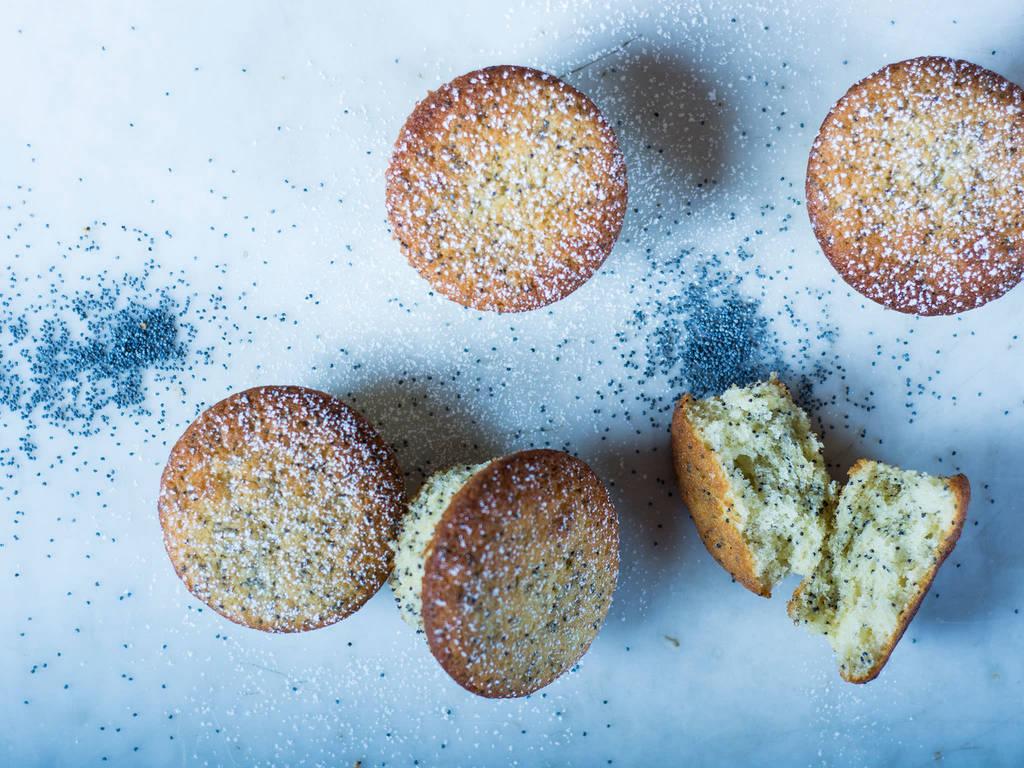 Simple lemon poppy seed muffins