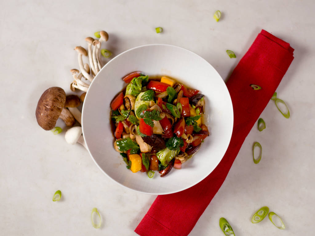 Asian-style red pepper salad