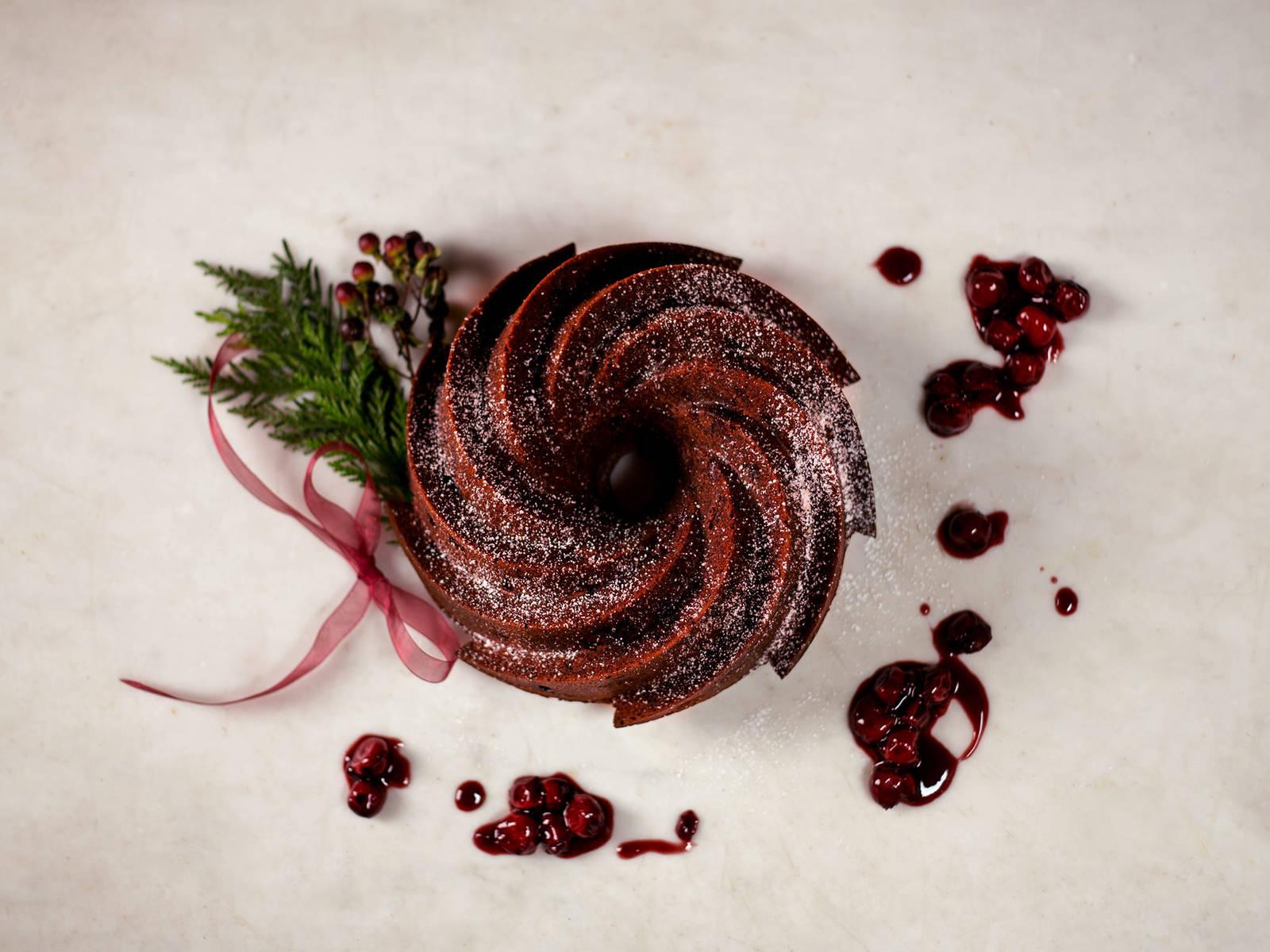 Schokoladen-Rum-Kirsch-Kuchen