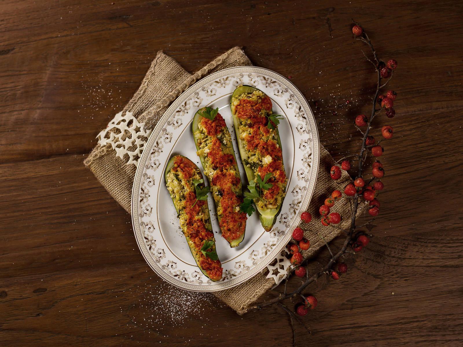 Zucchini mit Hirsefüllung