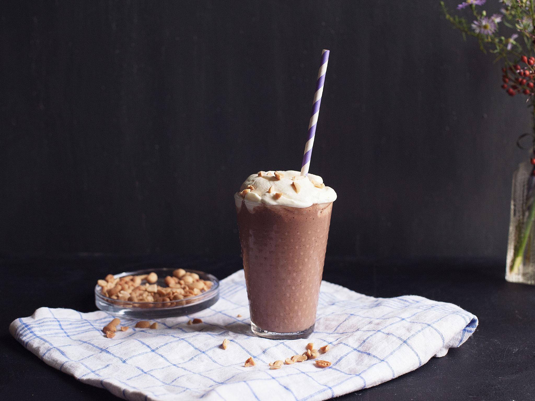 Kinder Chocolate Milkshake Recipe