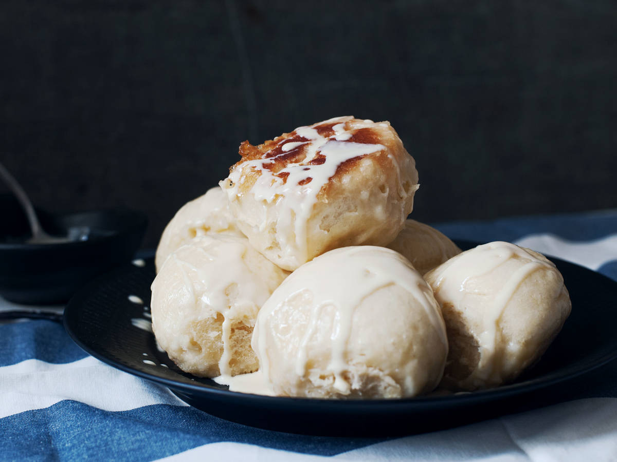 German sweet rolls with vanilla sauce