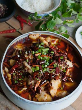 Szechuan-Fisch mit scharfer Bohnensoße
