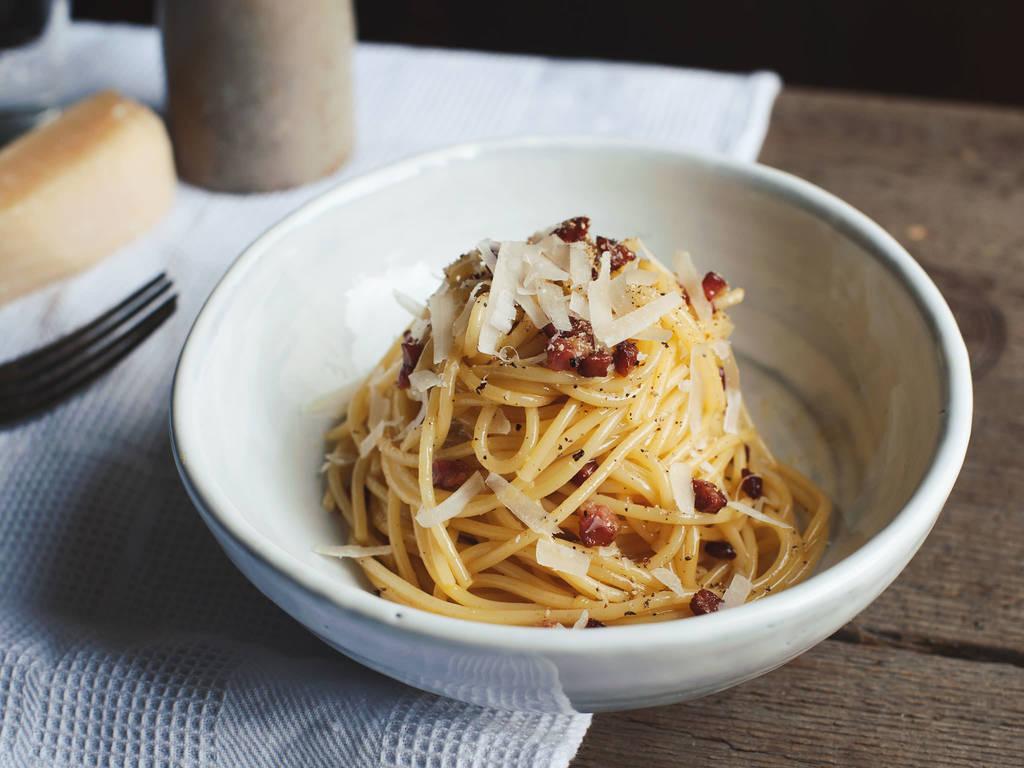 Classic spaghetti carbonara