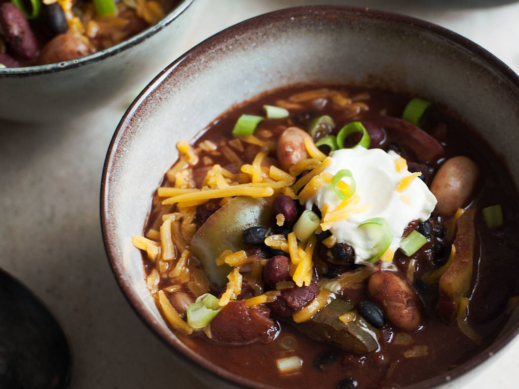 Slow-cooker 3-bean chili