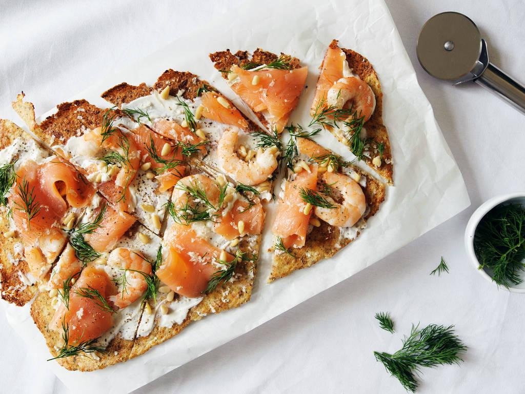 Cauliflower crust pizza with smoked salmon