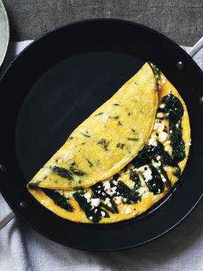 Omelette with spinach and feta