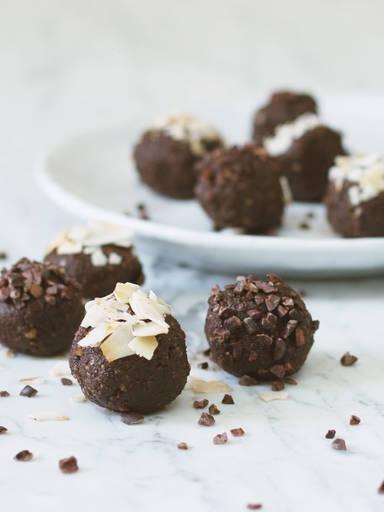 Schokoladen-Kokos-Kugeln