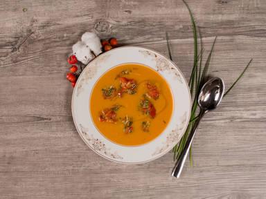 Sweet potato soup with chili tomatoes