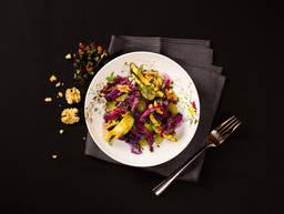 Rotkohlsalat mit gegrillter Avocado