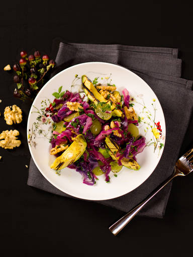 Red cabbage with grilled avocado