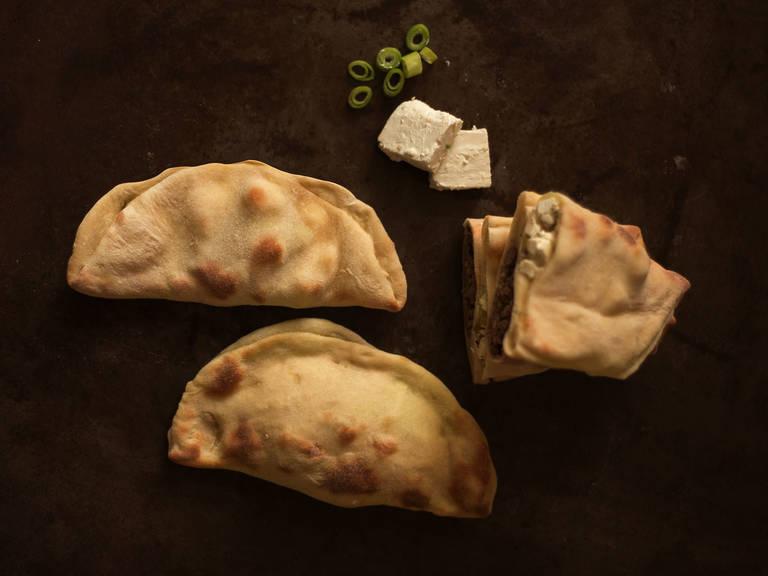Stuffed naan bread