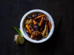 Hühnchen mit Maronen und Shiitake-Pilzen