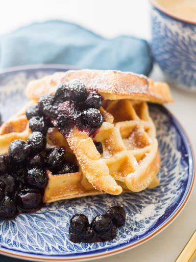 Frühstückswaffeln mit Blaubeeren