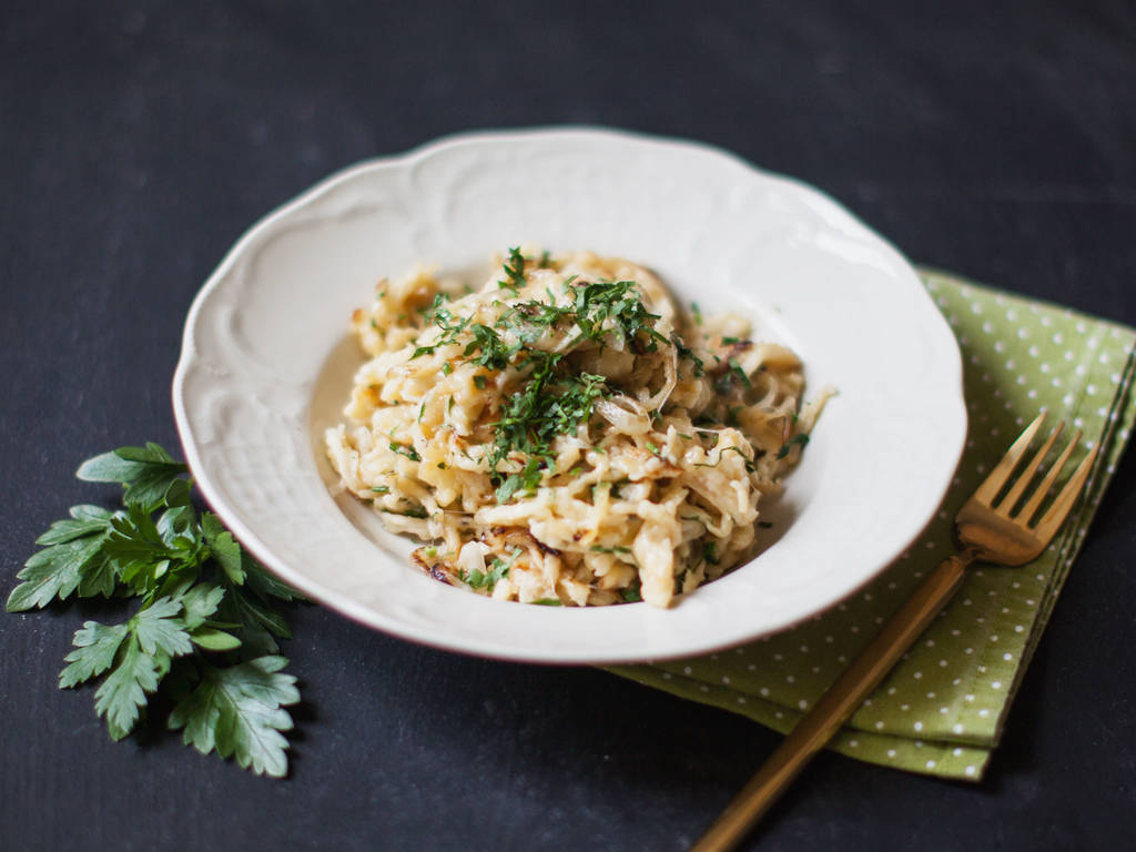 Cheese spätzle with fried onions