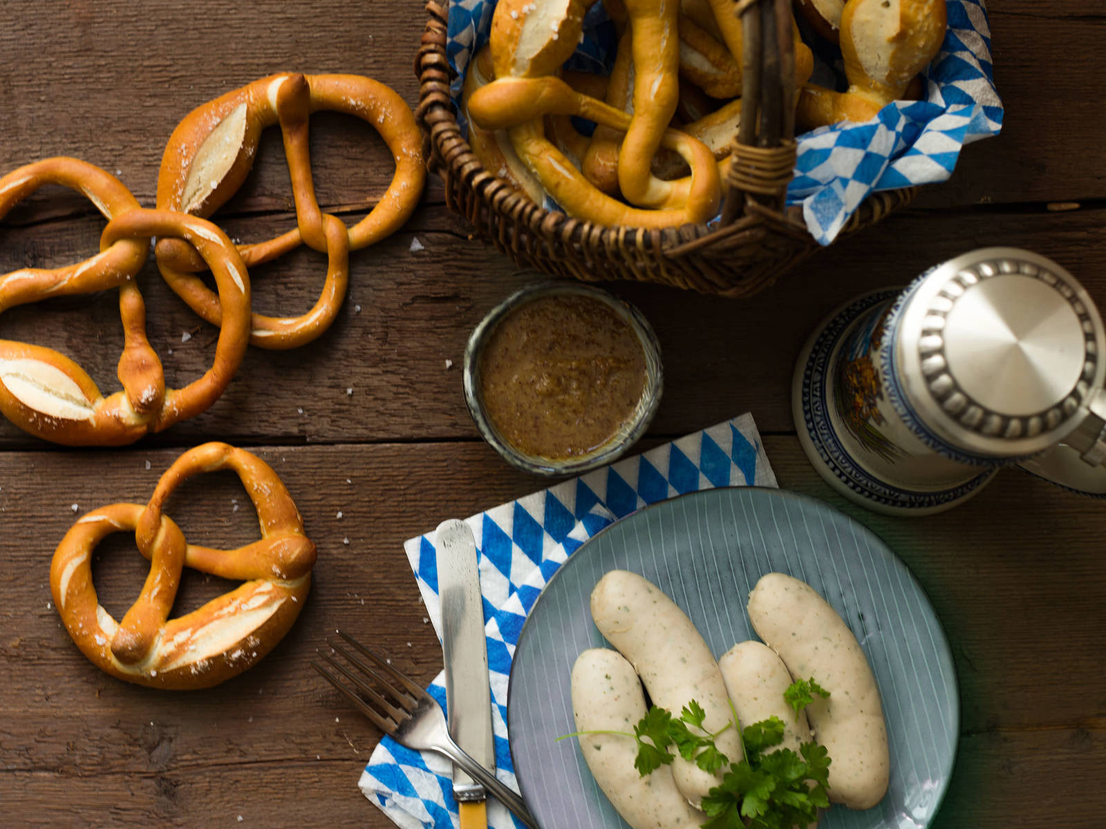 Soft pretzels and veal sausages
