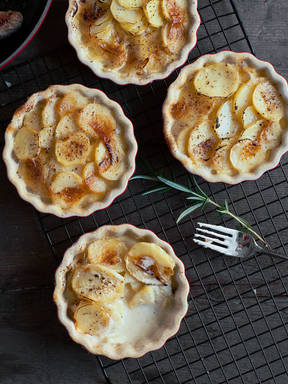 Basic potato gratin