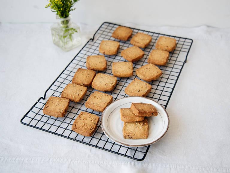 Shortbread-Kekse mit Ahornsirup und Pecannüssen