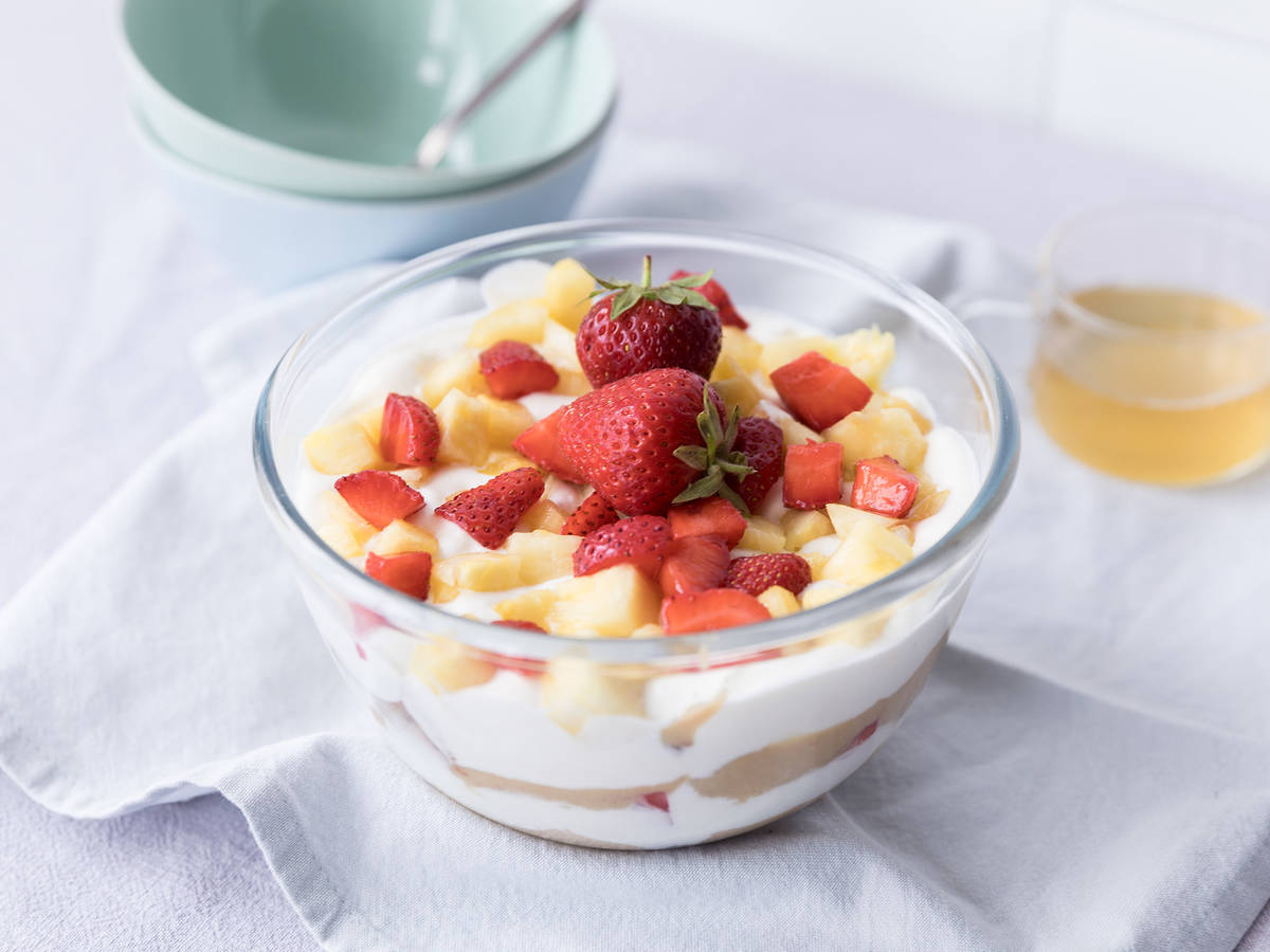 Pineapple toffee trifle