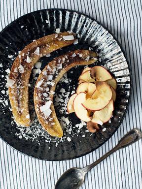Gebackene Banane mit Apfelchips