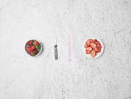 2 ways to hull strawberries