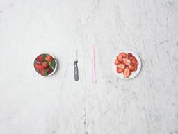 2 ways to hull strawberries