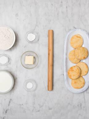 Hausgemachte amerikanische Buttermilch-Biscuits