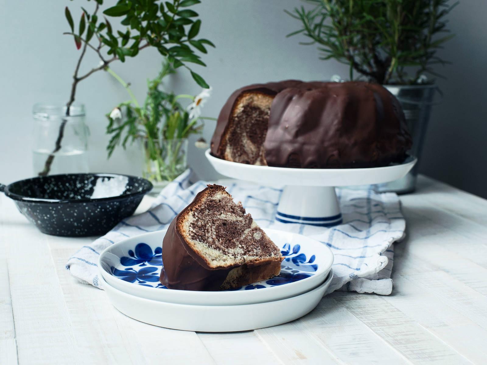 Marmorkuchen mit Schokoladenglasur