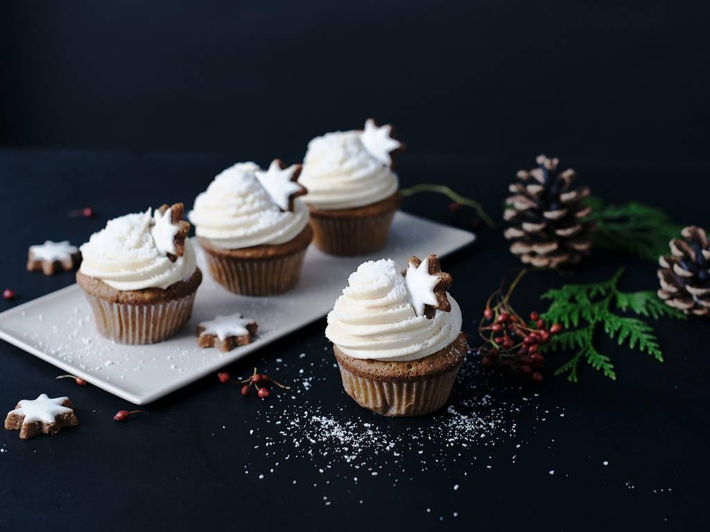 圣诞雪花纸杯蛋糕