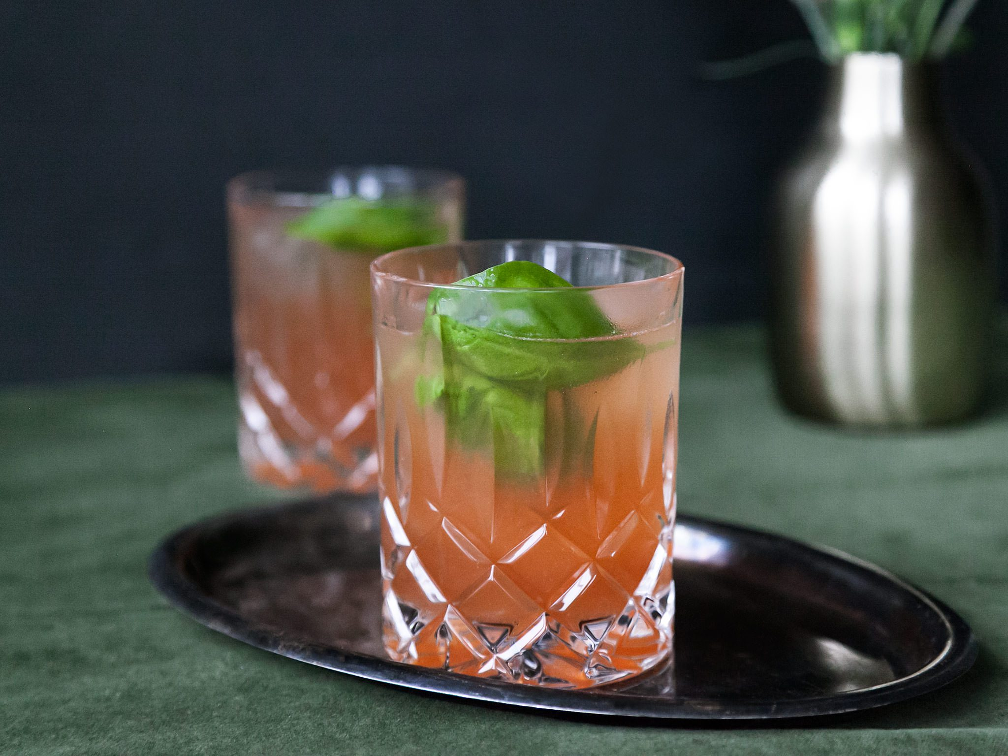 Caribbean pomegranate gin cocktail recipe kitchen stories for Mixed drinks using gin