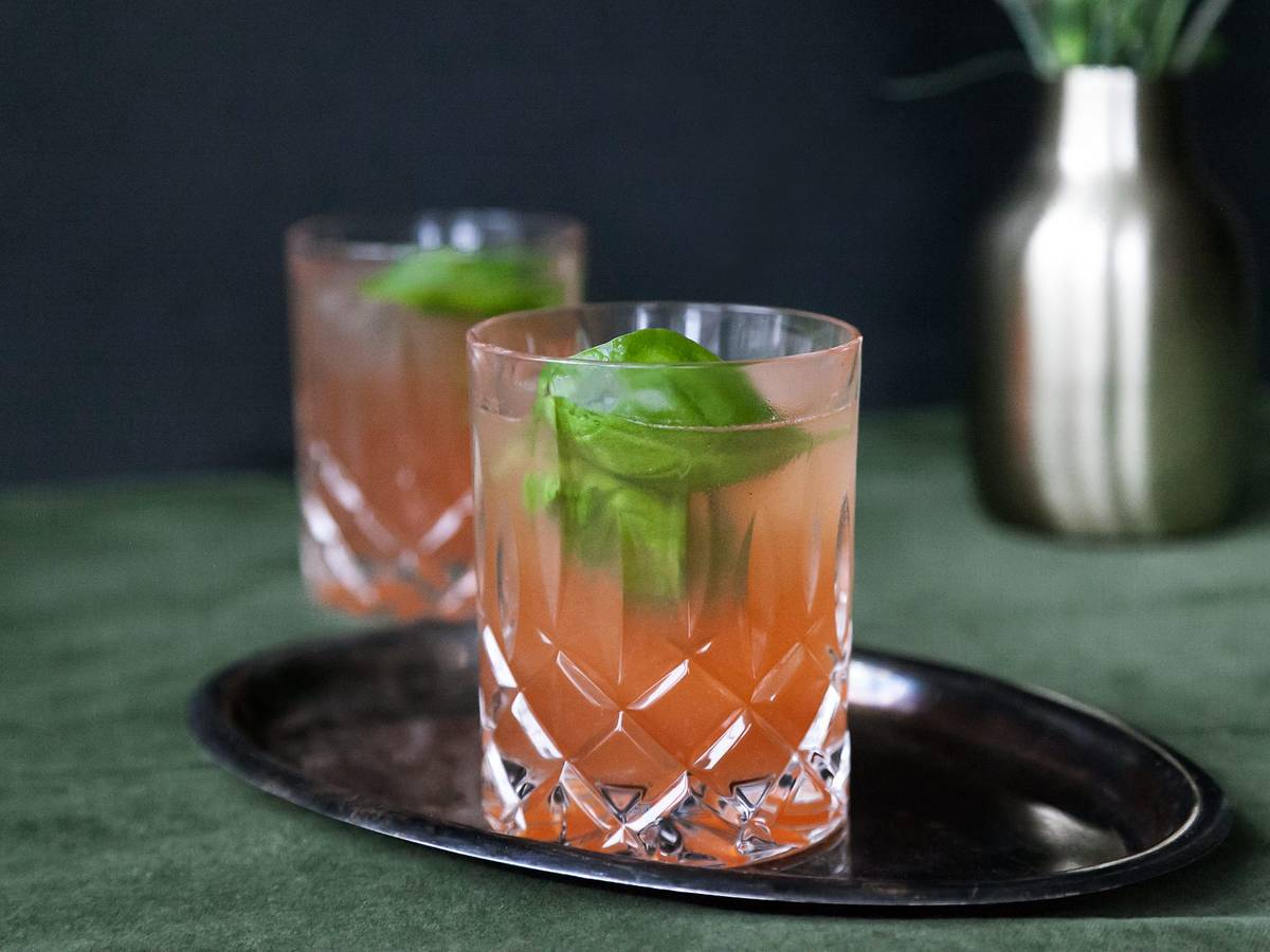 Caribbean pomegranate-gin cocktail