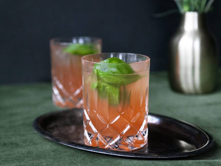Caribbean pomegranate-gin cocktail