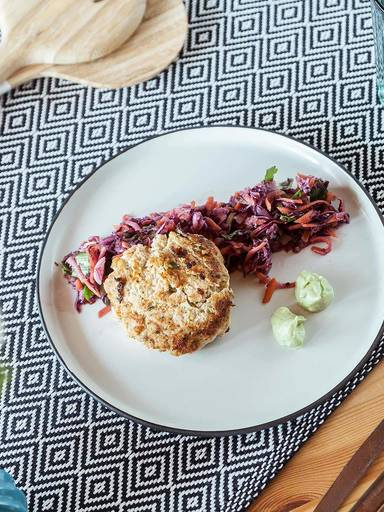 Salmon cakes with Asian slaw and wasabi mayo